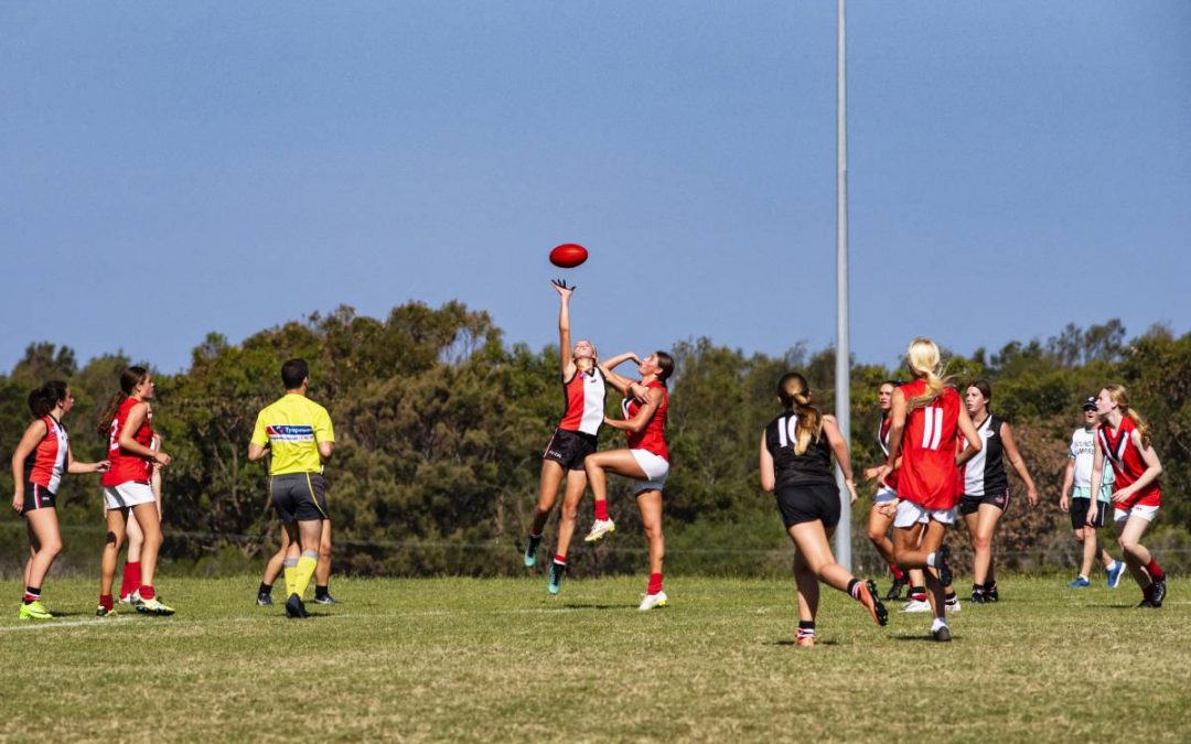 AFLW players are more likely to sustain concussions & knee injuries
